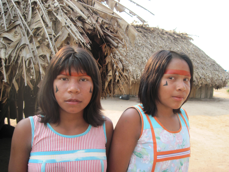 Tapayuna girls in the Kawêretxikô village (Capoto-Jarina IL). Photo: Beatriz de Almeida Matos, 2010.