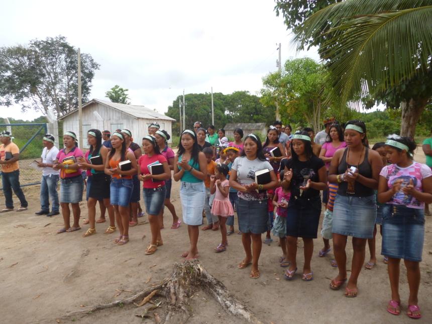 Aldeia Xaary - Brincadeira de natal. Foto: Raul Noro Xeerin Waiwai, 2013.